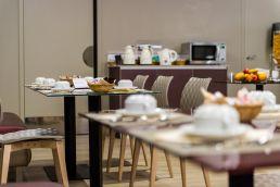 salle petit dejeuner hotel chateaubriant